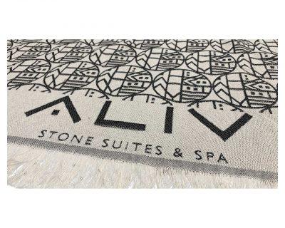 Πετσέτα παρεό δίχρωμη με ενδοϋφασμένο λογότυπο